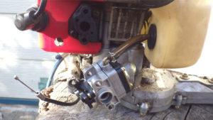 ゼノア(ZENOAH)ヘッジトリマHT2300-1の修理キャブ部分